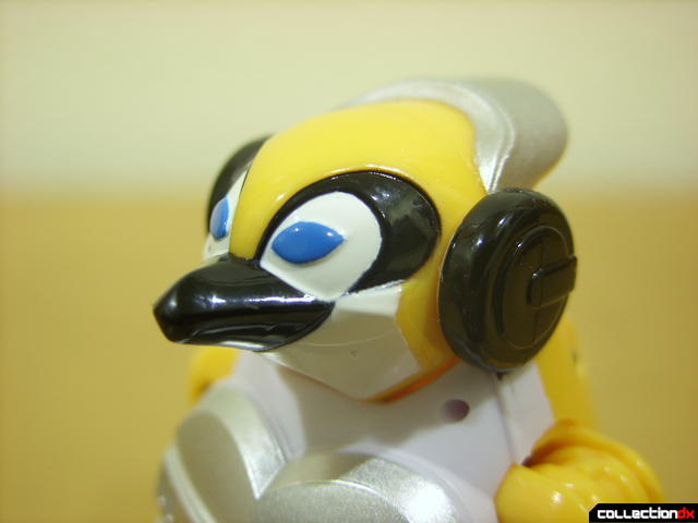 Deluxe Jungle Master Megazord- Penguin Spirit Zord (head detail)