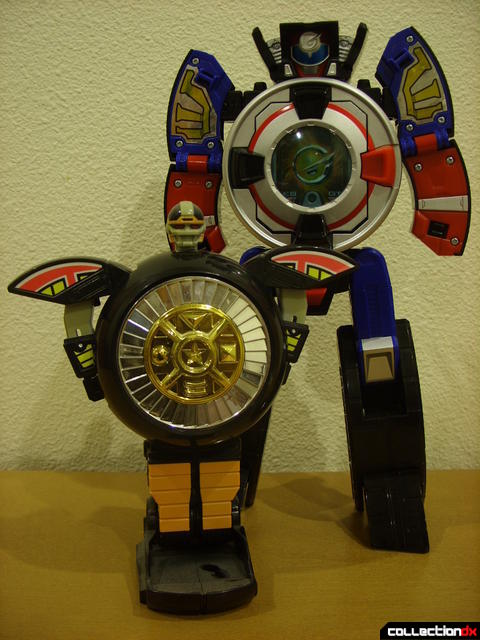 DX Soukou Sharin Go-Roader GT (back) and Deluxe Warrior Wheel (front) in robot forms