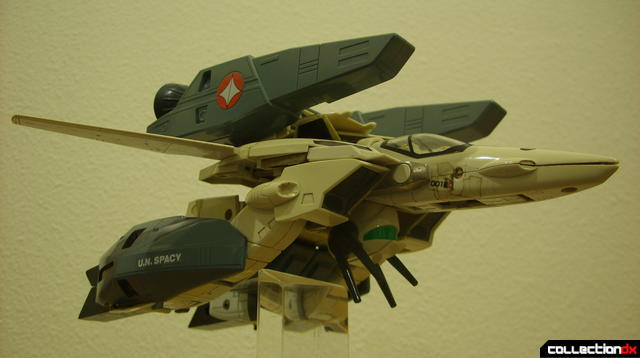 VF-1S Super Valkyrie - Fighter Mode (dramatic angle, widescreen)