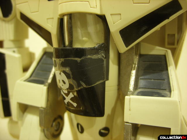 VF-1S Valkyrie - attaching canopy shield accessory clip (2)