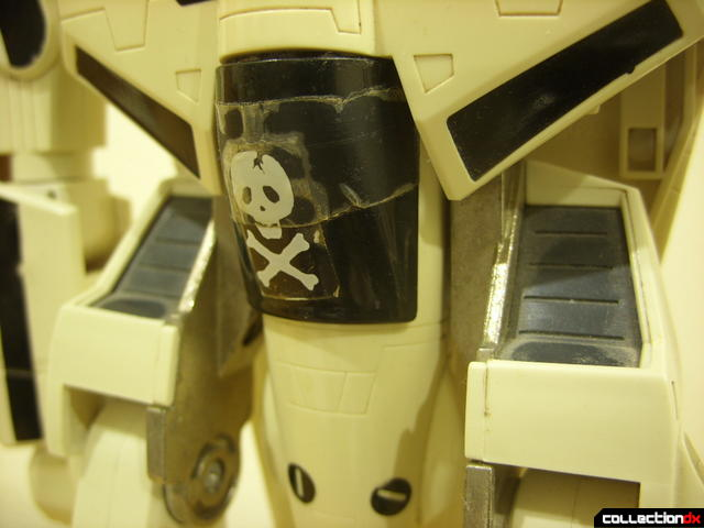 VF-1S Valkyrie - attaching canopy shield accessory clip (3)