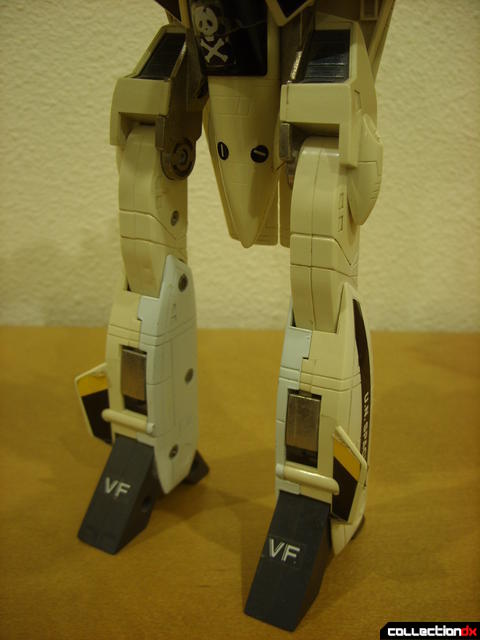 VF-1S Valkyrie - Battroid Mode (legs detail)