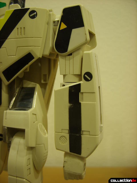 VF-1S Valkyrie - Battroid Mode (left arm detail)
