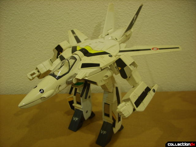 VF-1S Valkyrie - GERWALK Mode (alt. 2)