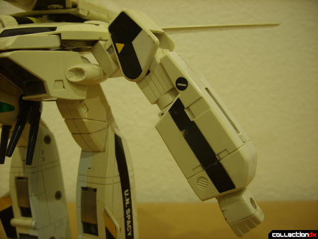 VF-1S Valkyrie - GERWALK Mode (left arm detail)