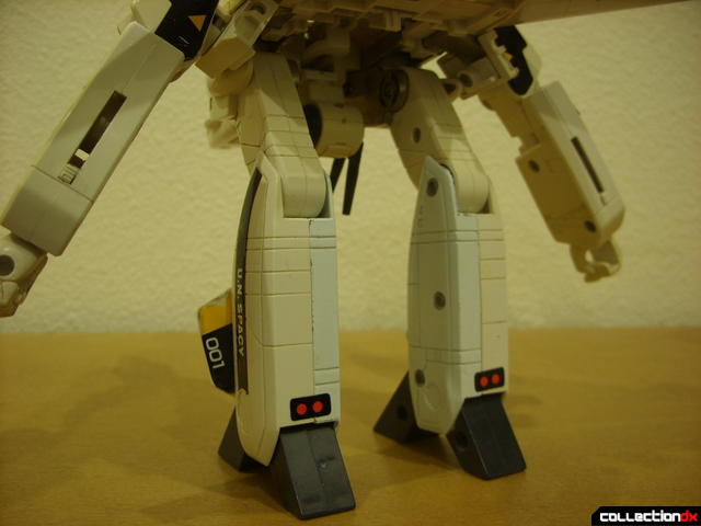 VF-1S Valkyrie - GERWALK Mode (legs, back detail)