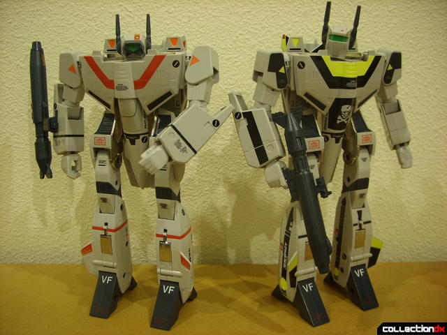 Origin of Valkyrie VF-1J (R) and VF-1S (L) in Battroid Mode