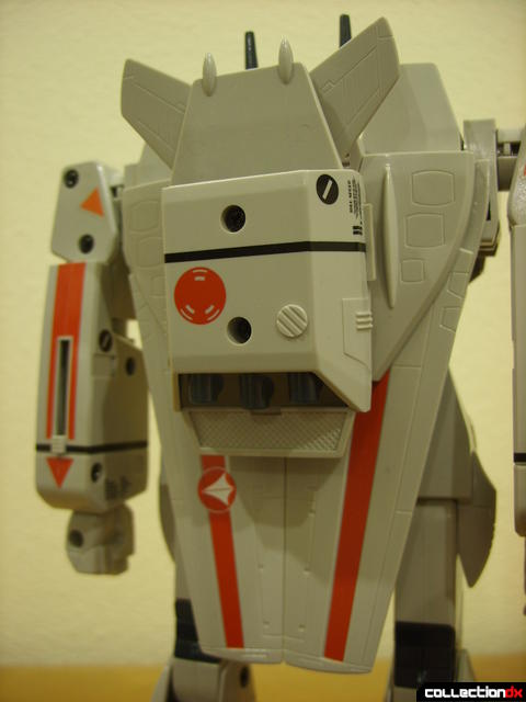 Origin of Valkyrie VF-1J Valkyrie- Battroid Mode (back thruster pack and wings detail)