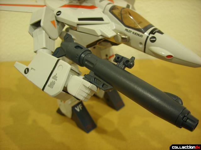 Origin of Valkyrie VF-1J Valkyrie- GERWALK Mode (holding gun pod in right hand)