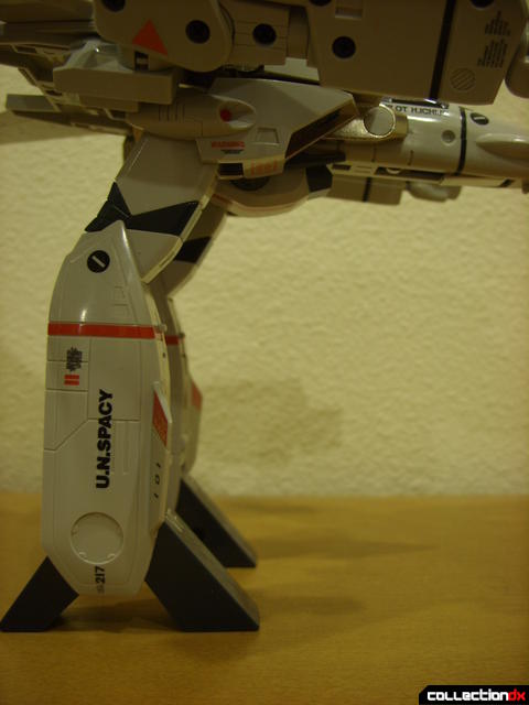 Origin of Valkyrie VF-1J Valkyrie- GERWALK Mode (legs positioned normally)