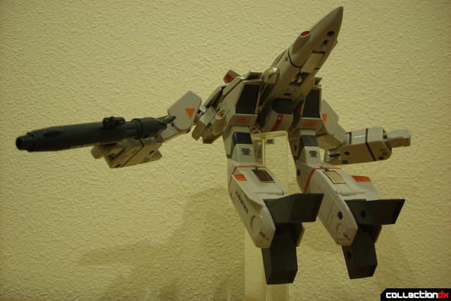 Origin of Valkyrie VF-1J Valkyrie- GERWALK Mode posed (2)