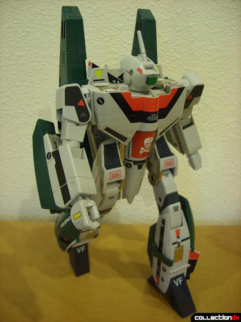 Origin of Valkyrie VF-1A Super Valkyrie Ichijyo- Battroid Mode posed (1)