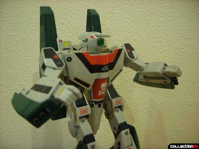 Origin of Valkyrie VF-1A Super Valkyrie Ichijyo- Battroid Mode posed (4)