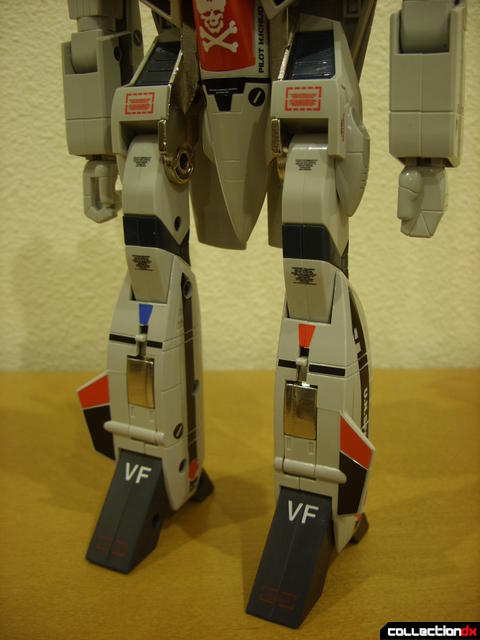 Origin of Valkyrie VF-1A Valkyrie Ichijyo ver.- Battroid Mode (legs detail)