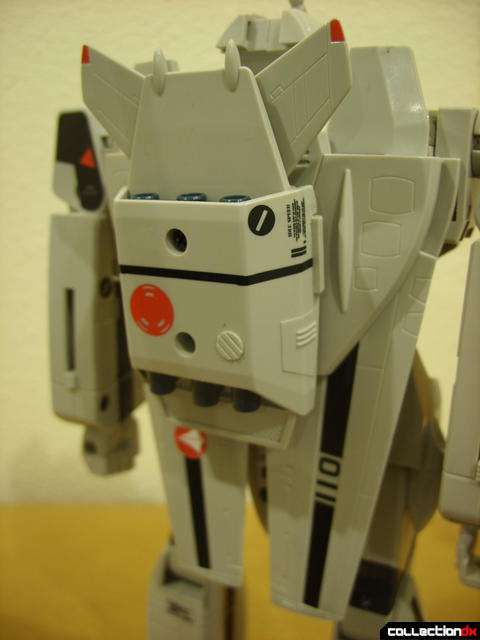 Origin of Valkyrie VF-1A Valkyrie Ichijyo ver.- Battroid Mode (wings and thruster backpack detail)