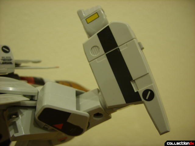 Origin of Valkyrie VF-1A Valkyrie Ichijyo ver.- GERWALK Mode (right arm articulation detail)