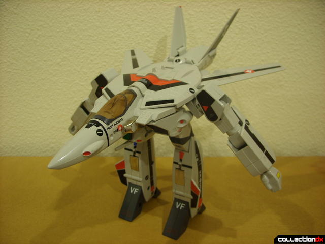 Origin of Valkyrie VF-1A Valkyrie Ichijyo ver.- GERWALK Mode (wth V-tails still open optionally)