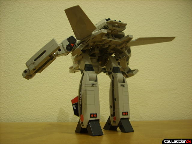 Origin of Valkyrie VF-1A Valkyrie Ichijyo ver.- GERWALK Mode posed (3)