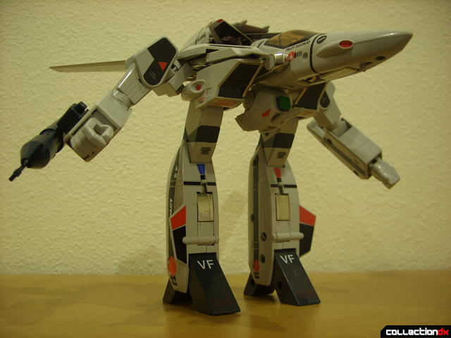Origin of Valkyrie VF-1A Valkyrie Ichijyo ver.- GERWALK Mode posed (4)