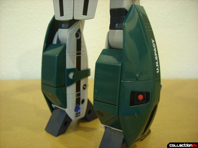 Origin of Valkyrie VF-1A Super Valkyrie Max ver.- Battroid Mode (leg pods attached, back view)