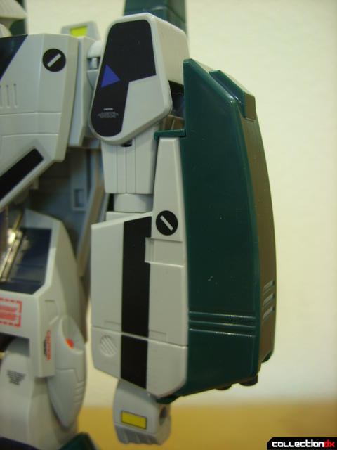 Origin of Valkyrie VF-1A Super Valkyrie Max ver.- Battroid Mode (right arm with missile launcher)