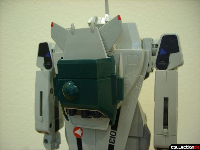 Origin of Valkyrie VF-1A Super Valkyrie Max ver.- Battroid Mode (with booster clip on)