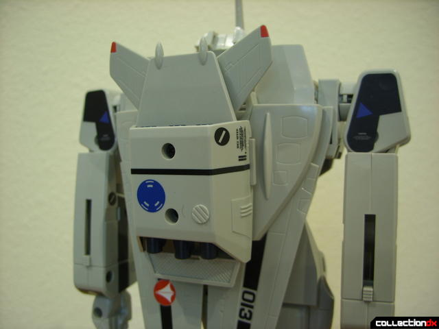 Origin of Valkyrie VF-1A Super Valkyrie Max ver.- Battroid Mode (without booster clip-on)