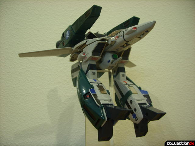 Origin of Valkyrie VF-1A Super Valkyrie Max ver.- Fighter Mode dramatic angle (1)
