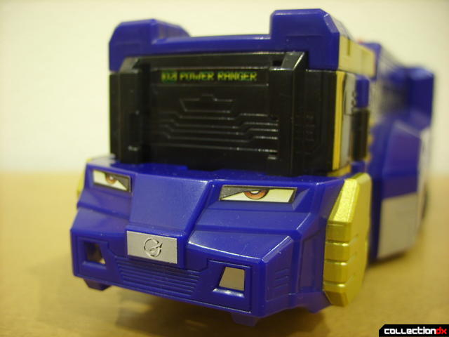 High Octane Megazord- Lion Hauler Zord Attack Vehicle (close-up on front)