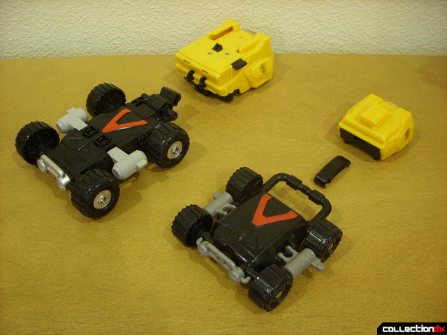 shield disconnection- Engine Bear RV (L) and Bear Crawler Zord Attack Vehicle (R)