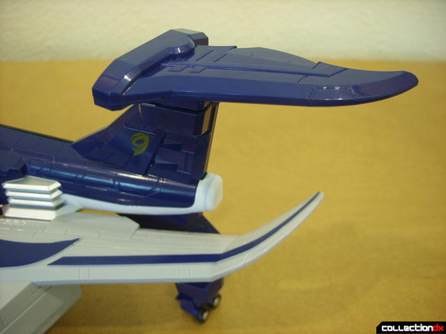 Engine Gattai Series 9- Engine Jumbwhale- Jet Mode (left outer wing details)