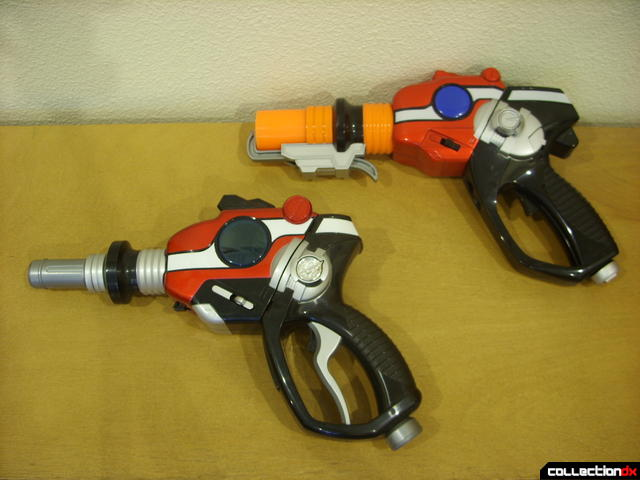 Nitro Blaster (top) and Self-Henkeiju MantanGun (below) in gun modes (3)