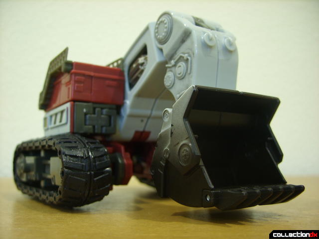 Voyager-class Decepticon Demolishor- vehicle mode dramatic angle (1)