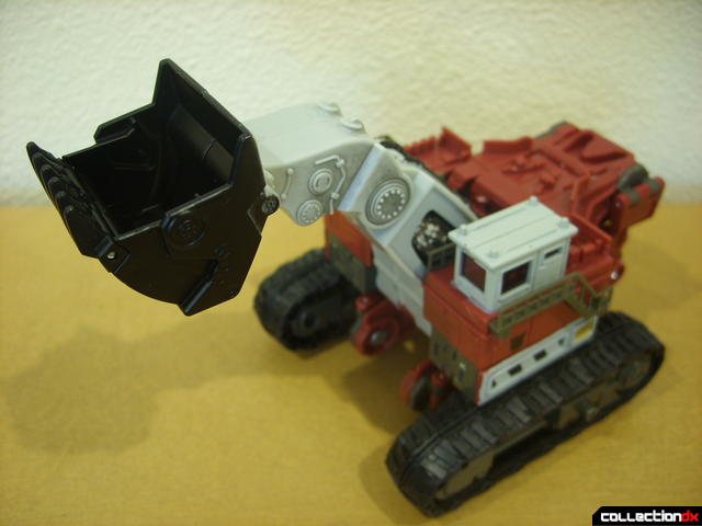 Voyager-class Decepticon Demolishor- vehicle mode dramatic angle (2)