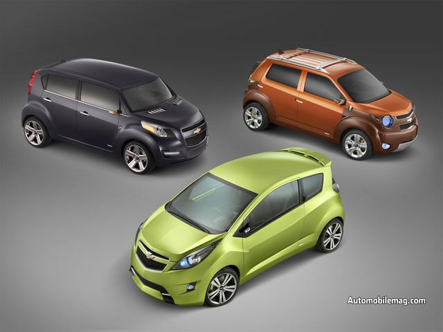 Chevrolet 2007 concept vehicles (L-to-R)- Groove, Beat, and Trax