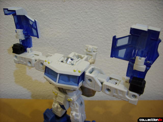 optional 'Ultra Bolt' combo (Ultra Magnus ready for combo)