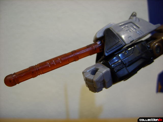 Autobot Tread Bolt with armor- robot mode (right missile launcher detail)