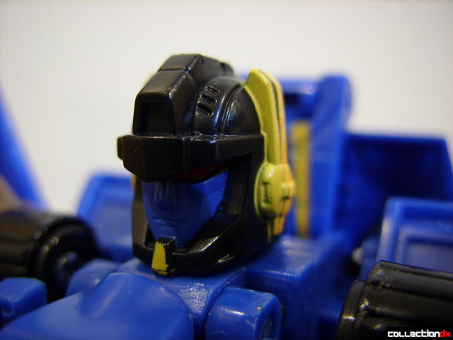Autobot Tread Bolt without armor- robot mode (head detail)