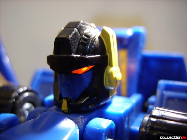 Autobot Tread Bolt without armor- robot mode (head detail, lit from behind)