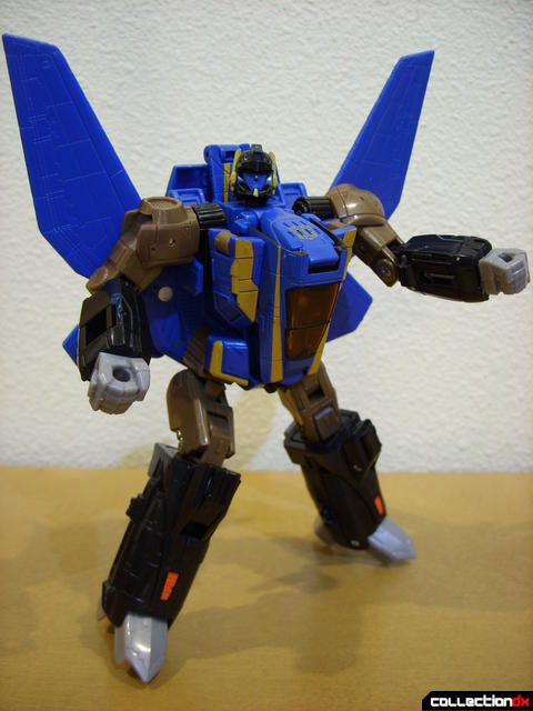 Autobot Tread Bolt without armor- robot mode posed (1)