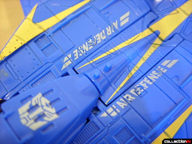 Autobot Tread Bolt without armor- vehicle mode (Autobot and Air Defense markings)