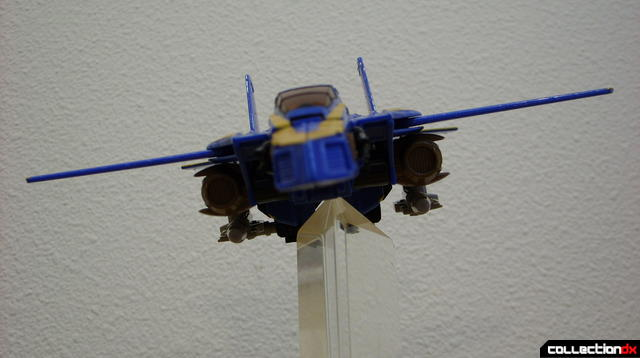 Autobot Tread Bolt without armor- vehicle mode dramatic angle (4)