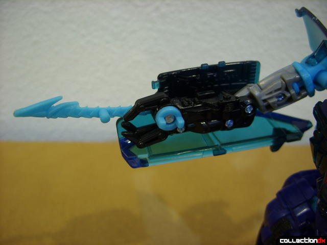 RotF Deluxe-class Autobot Jolt- robot mode (right electro-whip extended)