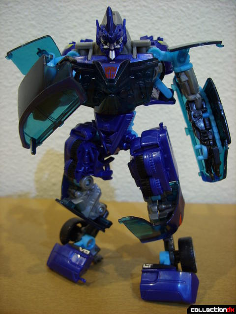 RotF Deluxe-class Autobot Jolt- robot mode posed (4)