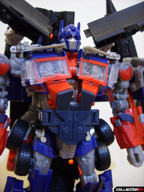 RotF Power-Up Optimus Prime (LED under legs, on)