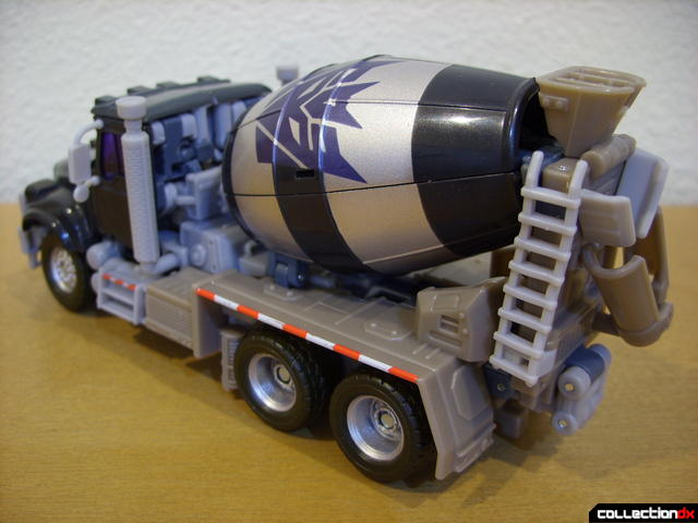 RotF Voyager-class Decepticon Mixmaster- vehicle mode (back)