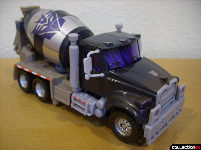 RotF Voyager-class Decepticon Mixmaster- vehicle mode (front)