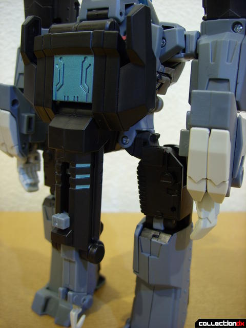 Animated Voyager-class Decepticon Shockwave- Longarm form (crane in place)