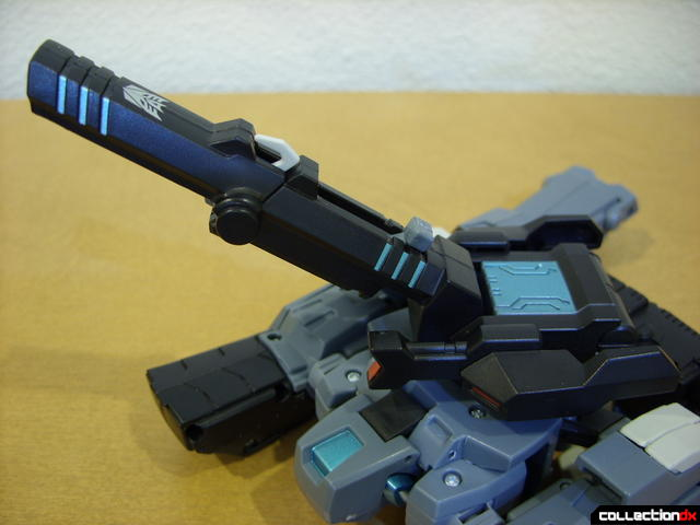 Animated Voyager-class Decepticon Shockwave- tank mode (cannon details)