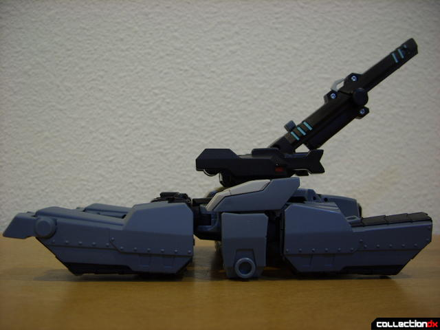 Animated Voyager-class Decepticon Shockwave- tank mode (right profile)